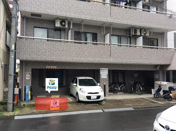 駐車場全景です。 左側が駐車場所になります。