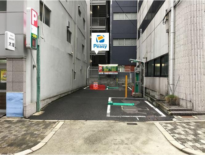 駐車場全景です。3番車室が駐車車室になります。