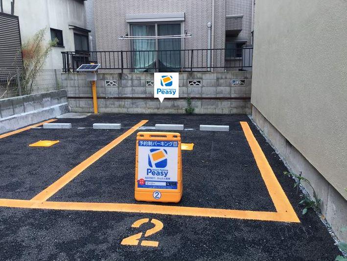 2番車室です。駐車場に向かって右側の車室です。