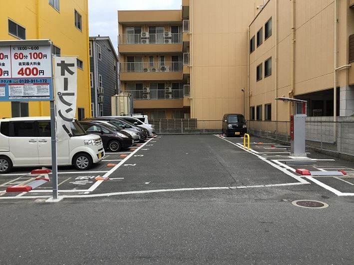 駐車場全景です。1~12番車室が駐車車室となります。