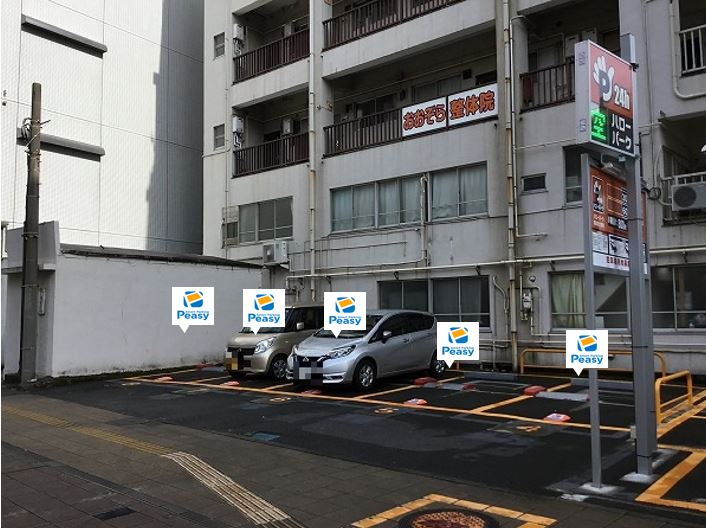 駐車車室です。1~8番車室が駐車車室となります。