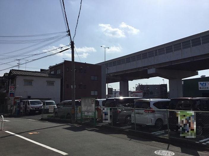 駐車場全景です。7番車室が駐車車室となります。